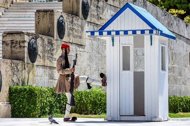Piazza Syntagma: curiosità, dove si trova e come raggiungerla