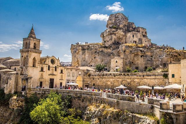 Cosa vedere a Matera: viaggio nella città dei Sassi